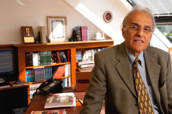 Profesor John Esposito