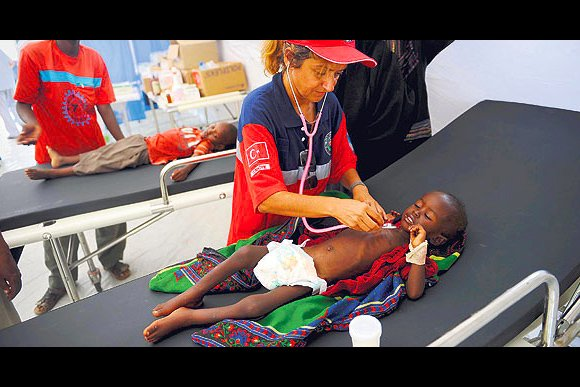 The Sahara Hospital, built by the Turkish Health Ministry in Somalia's famine-stricken city of Mogadishu, treated nearly 500 patients on its first day of opening. (Photo: Today's Zaman)