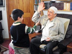 Gulen-and-a-kid