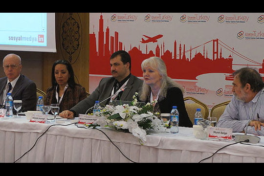 Today's Zaman columnist Nicole Pope (C) speaks on the second day of the 28th Abant Platform meeting in the western province of Bolu. (Photo: Cihan, mrullah Bayrak)