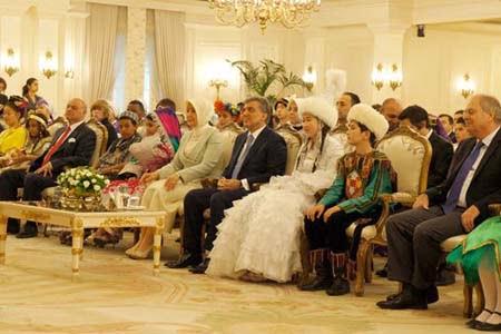 President Abdullah Gül and first lady Hayrunnisa Gül watched performance of Turkish Olympiads contestants in Çankaya Palace in Ankara on Friday. (Photo: Cihan, Yasin Kılıç)