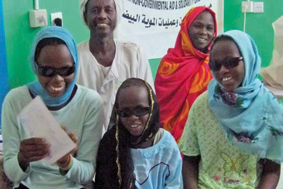 Turkish doctors performed more than 13,000 cataract surgeries on the African continent as part of an ongoing Kimse Yok Mu and ESAFED project. (Photo: Cihan, Ömer Oruç)