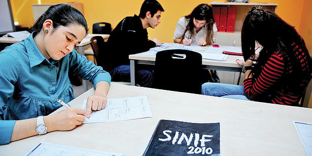 The Education Ministry is planning to abolish schools offering university preparation courses next year. (Photo: Today's Zaman)