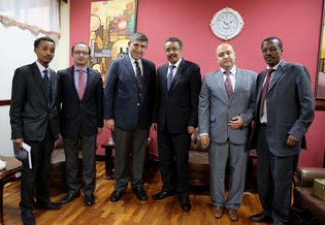 Foreign Affairs Minister Dr. Tedros Adhanom held talks Thursday with the representatives of TUSKON, the Turkish Confederation of Businessmen and Industrialists.