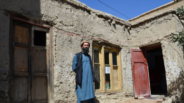 Needy Afghans looking forward to Kimse Yok Mu's eid donations
