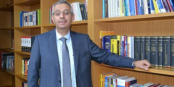 Sami Karahan is a professor of commercial and banking law. (Photo: Today's Zaman, Kamil Arlı)