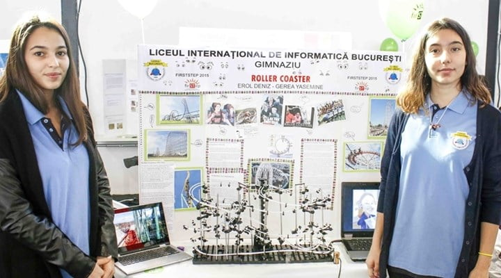 """Students from Turkish schools in Romania impress in the """"First Step"""" science project competition."""