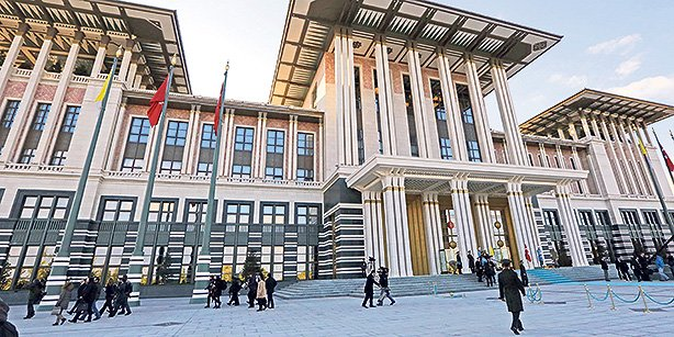 President Erdoğan's lavish presidential palace, dubbed the Ak Saray, continues to be at the center of political debates. (Photo: Today's Zaman, Ali Ünal)