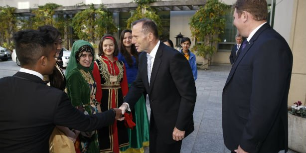 Australian Prime Minister Tony Abbott received 60 students from 19 countries at his office who came to Australia as part of the 13th International Language and Culture Festival. (Photo: Cihan, Zafer Polat)