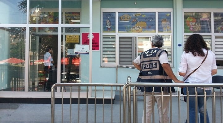 """Police raided institutions belonging to Yamanlar Educational Institutions in Turkey's western province İzmir, including a raid of a kindergarten, early Tuesday morning. The politically motivated raids involved officers combing through school and seizing computers in an effort to find """"evidence."""""""
