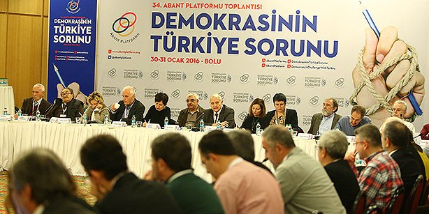 Abant Platform participants are seen during a session of the 34th Abant Platform meeting on Saturday. (Photo: Today's Zaman, Mehmet Yaman)